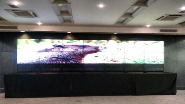 videowall-7x2